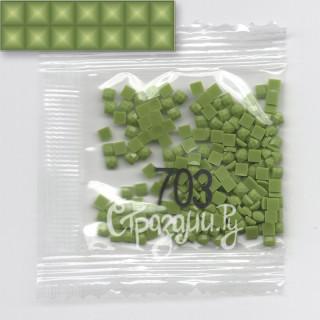 Стразы для алмазной вышивки DMC 703 квадратные 1,4 г