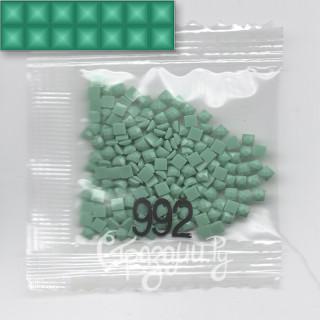 Стразы для алмазной вышивки DMC 992 квадратные 200-220 шт